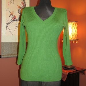 Kelly Green Lightweight V-Neck Sweater - S
